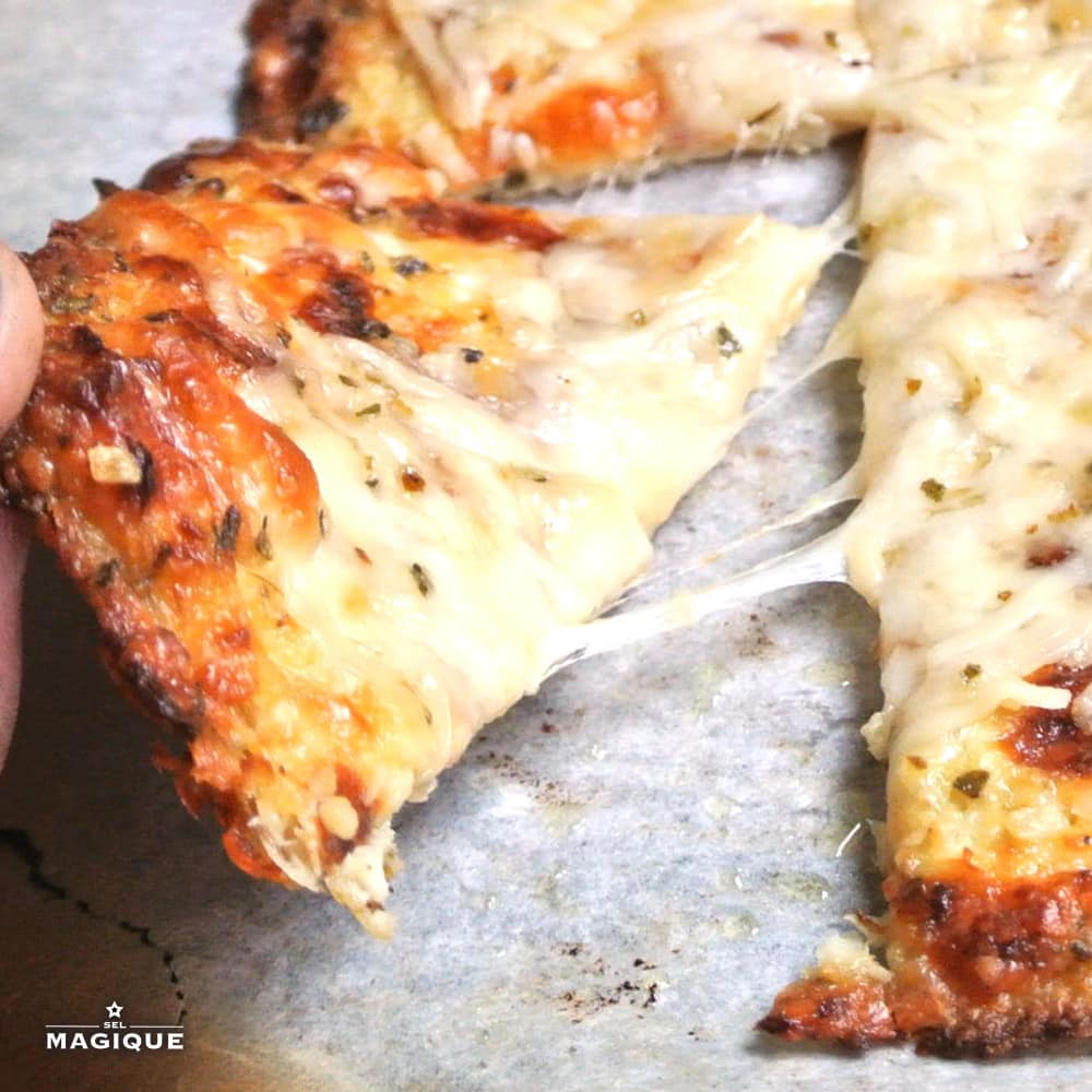 Cheese and cauliflower garlic toast with Sel Magique